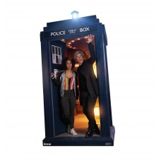 The Doctor and Bill Potts in the TARDIS (Doctor Who 10)